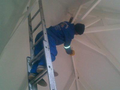 We clean roof beams