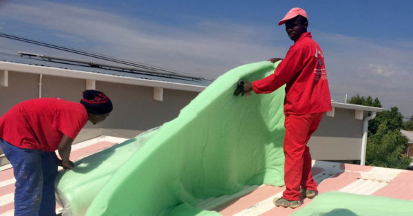 installing isotherm roof insulation